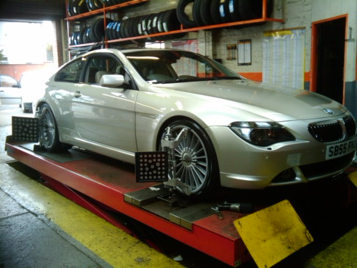 4 WHEEL ALIGNMENT OF BMW