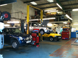 Mot's | Car Servicing | Car repairs Aylesbury | Thame | Buckingham | Leighton Buzzard | Bicester