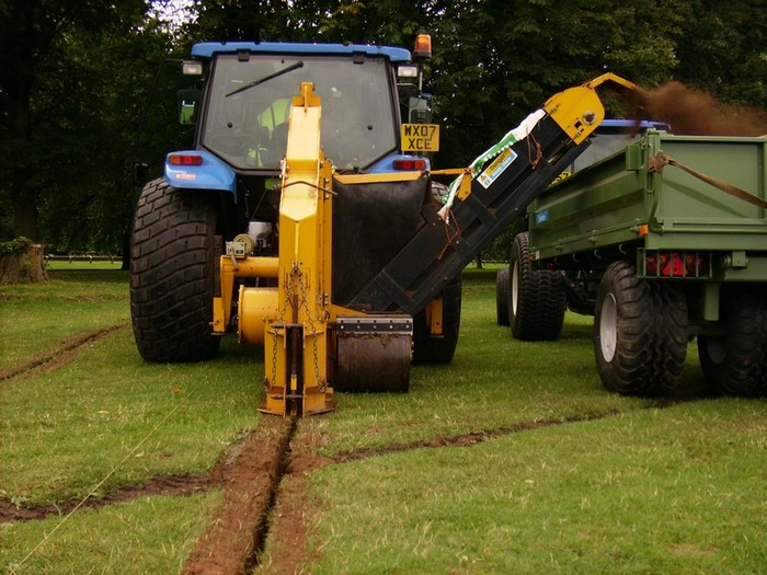 AFT Trencher