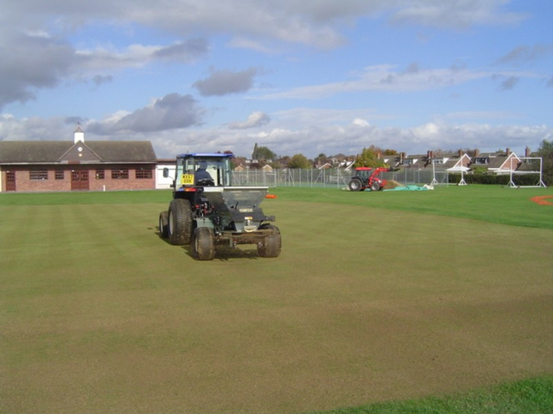 grounds maintenance contractors
