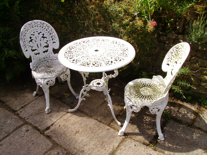 Garden Furniture Refurbishment using blast cleaning